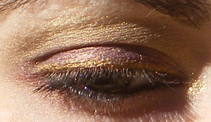 My eye with Fyrinnae Daemon's Tail and Polar Bear eyeshadow in direct sun